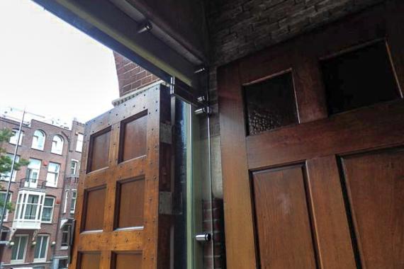 hardglazen gelaagde deuren Obrechtkerk